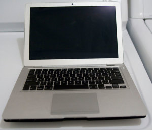 macbookairprototype-20081118-1 (1)